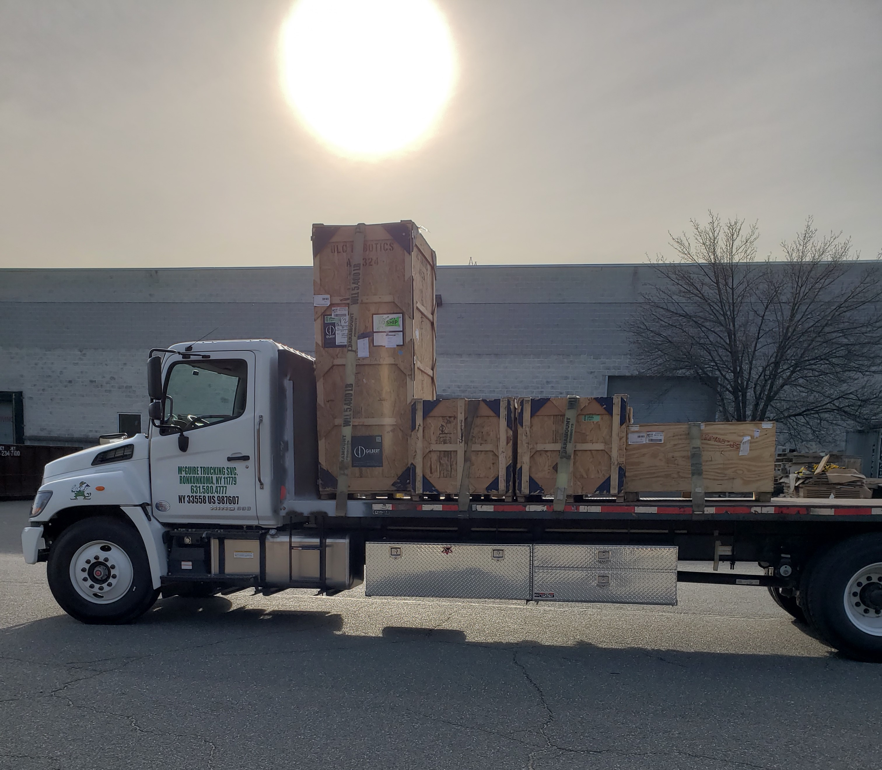McGuire Trucking flatbed Delivery Courier offers freight shipping throughout New York City ,Bronx, Queens, Williamsburg Brooklyn, and Long Island up to Westchester